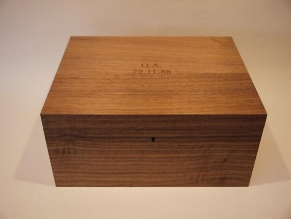 Gentleman's American Black Walnut Valet Box
